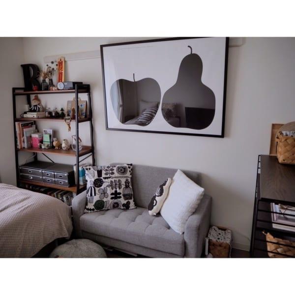 どんな色でも相性の良いグレーのソファ