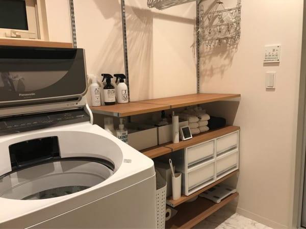 狭いスペースにも設置しやすく、小物類の管理に便利