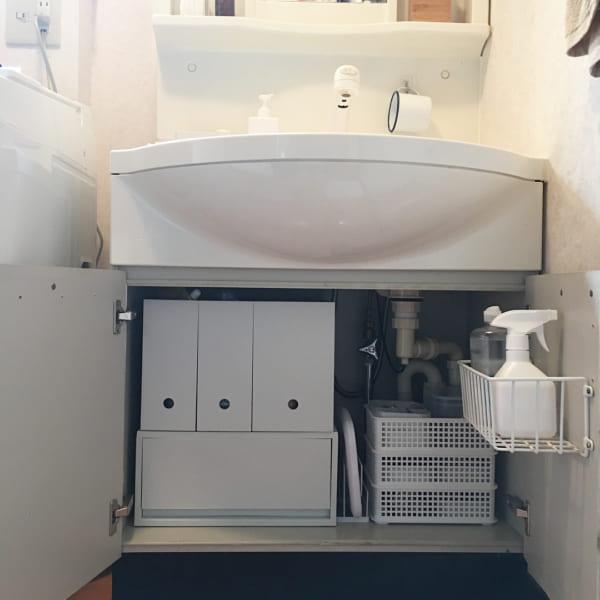 狭いスペースにも設置しやすく、小物類の管理に便利2