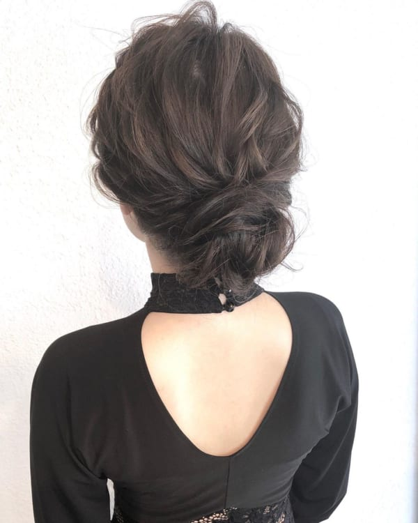 結婚式・お呼ばれ向け⑩シックなまとめ髪