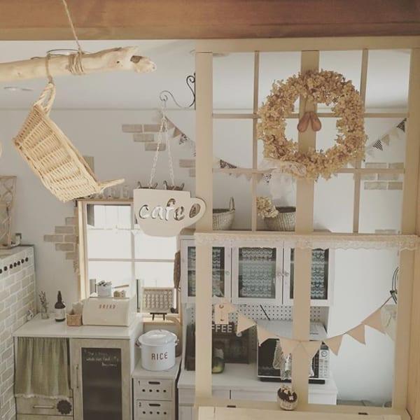 ガーランドが可愛いカフェ風キッチン
