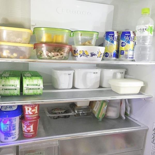 セリアの取っ手付き容器を使った冷蔵庫収納