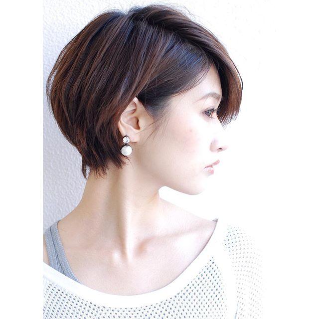 オフィスカジュアル ショート 髪型3