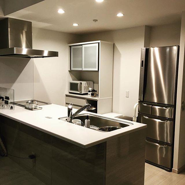キッチン周りはスッキリ見せる収納