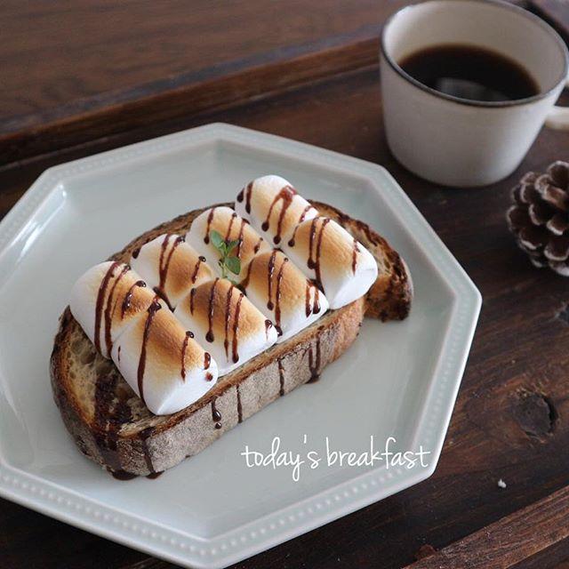 人気のトーストレシピ!マシュマロチョコトースト