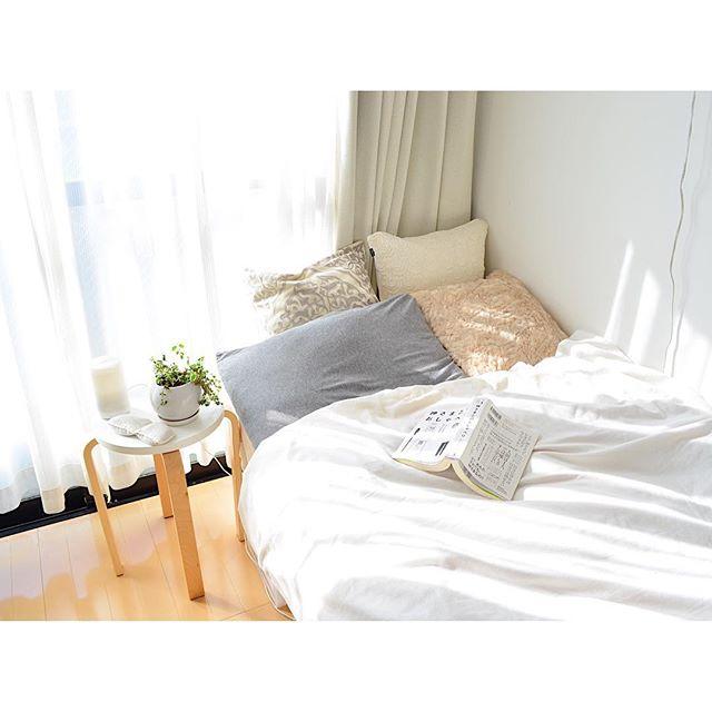 ベッドは床の形と平行にレイアウト