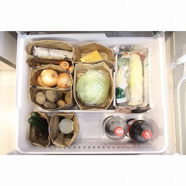 野菜室はペーパーバッグで仕切り収納