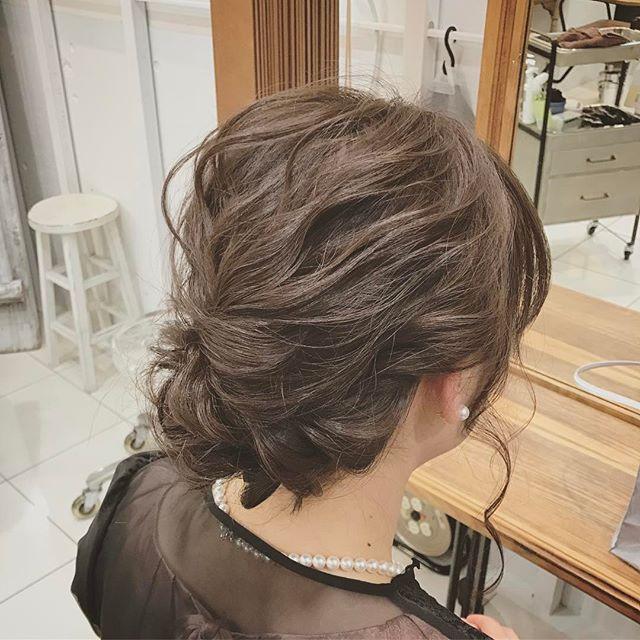 髪色で周りと差をつけるヘアスタイル