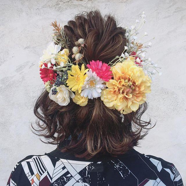 アクセで存在感を光らせるヘアスタイル