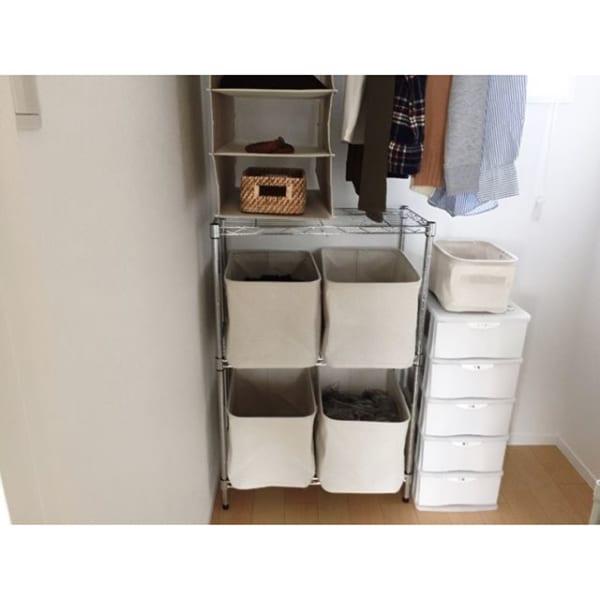 棚と箱を使うクローゼットの利用法
