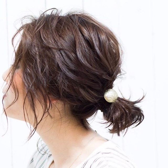 スーツ 大人女性 髪型 ミディアム6