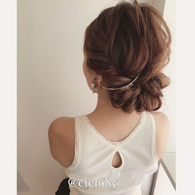 スーツ 大人女性 髪型 ロング5
