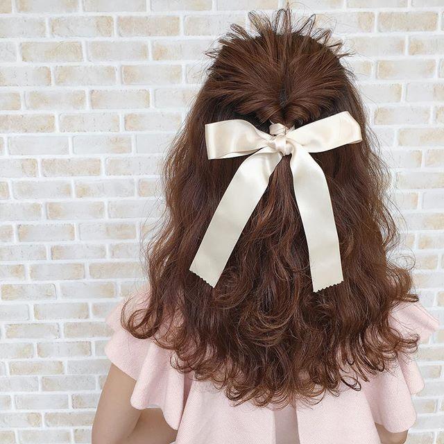 お姫様のようなゆるふわリボンヘアスタイル