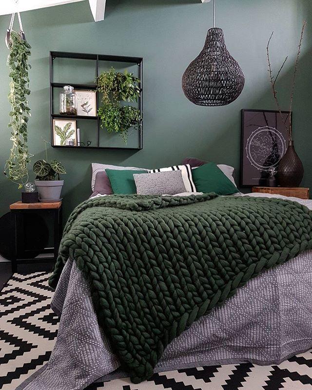 色の組み合わせ方が上手なおしゃれ寝室