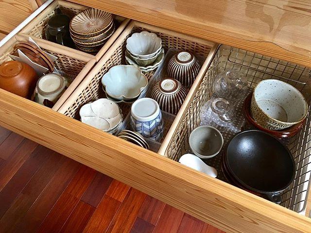 収納ボックスを用いた食器収納