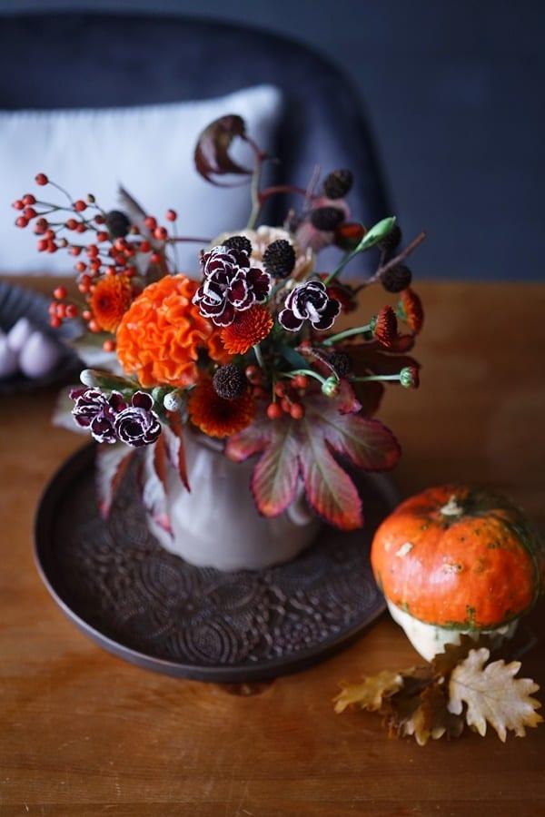 気軽に楽しむハロウィンの花飾り!ハロウィン色の花材の選び方