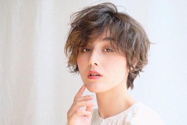 頬骨 高い 髪型 ショートヘア7