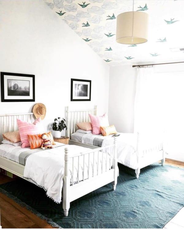人気の白ベッドが可愛い海外の子供部屋