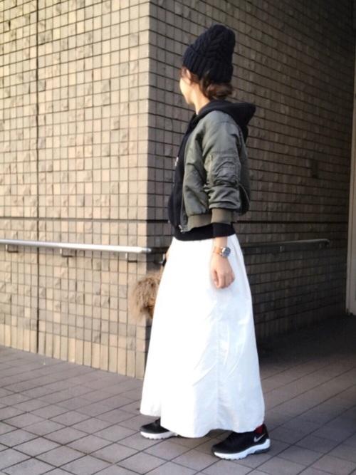 白マキシスカート×MA-1ジャケット