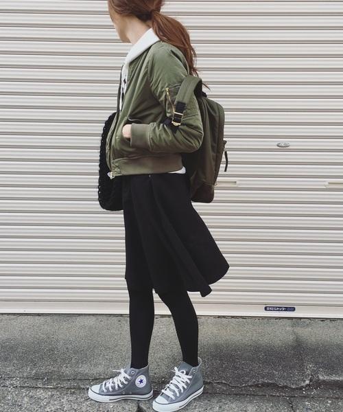 リュック×ひざ丈スカートの冬コーデ