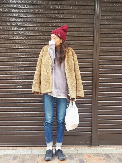 【レディース】赤ニット帽×デニムコーデ3