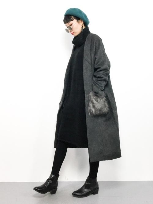 黒ワンピ×ポケットファー付きコートの冬コーデ