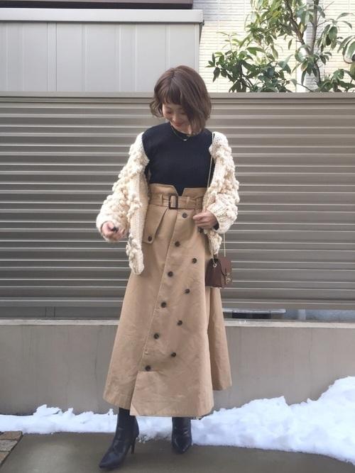 ケーブルカーディガン×トレンチスカートの冬コーデ