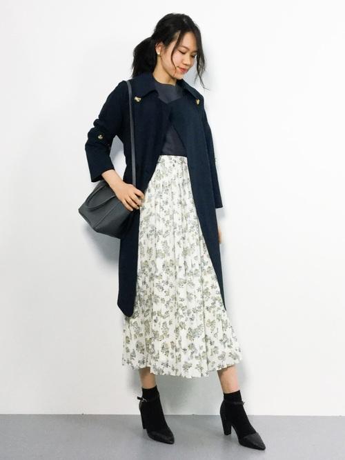 レディースコート×花柄スカート