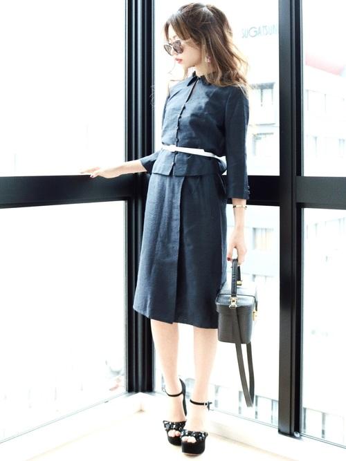 レディな襟付きオフィスカジュアルスカートスーツコーデ