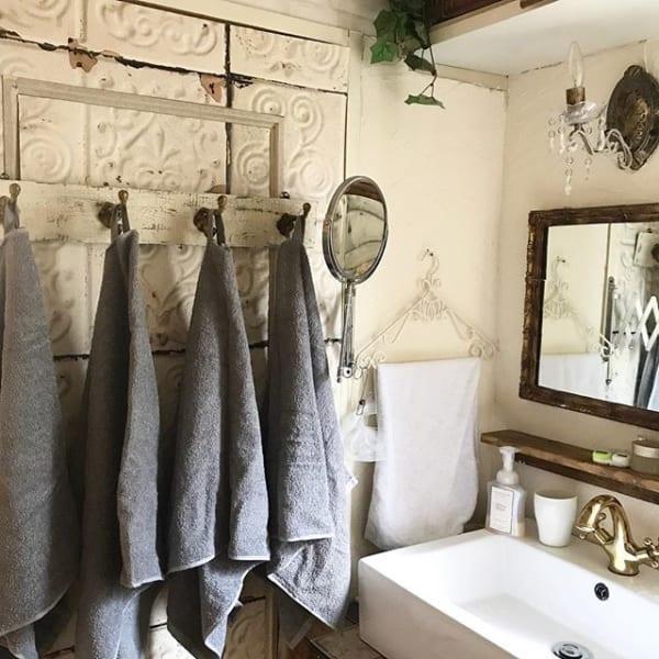 壁掛けフックを使うおすすめバスタオル収納