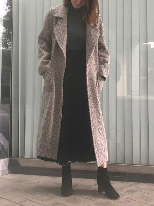 ガウンコート×プリーツスカート