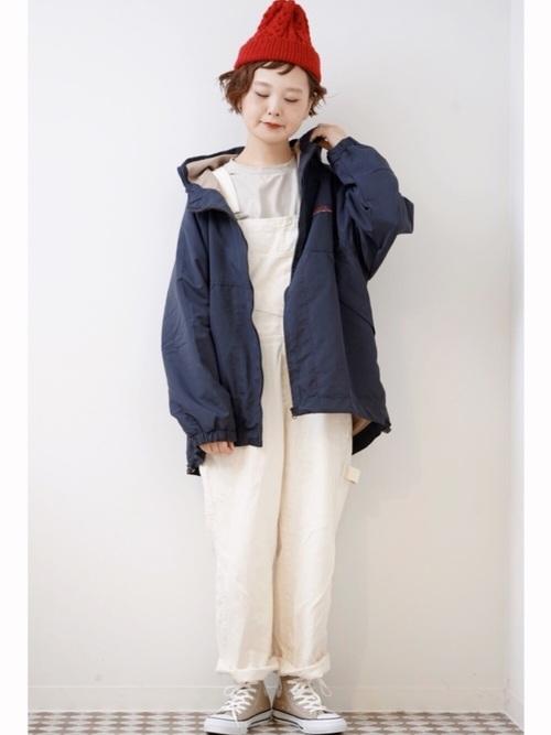 【レディース】赤ニット帽×デニムコーデ2