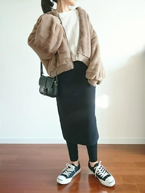 ボアジャケット×ユニクロスカート