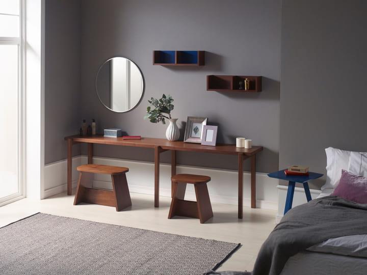 ベッドルームに置くコンソールテーブル