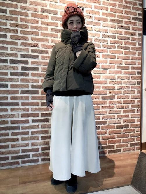 ダウンジャケット×ロングスカート
