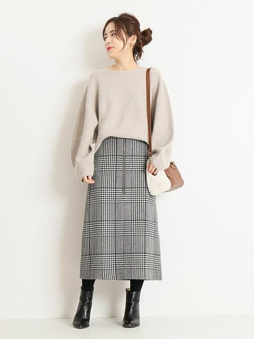 【1月の大阪向けの服装】ニット×ツイードスカート