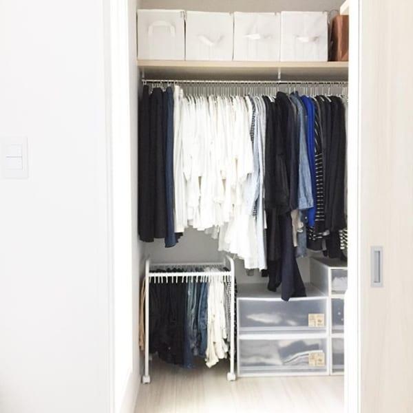 パンツを分けて掛ける一人暮らし収納のコツ