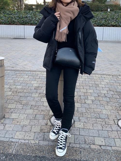 黒スキニーパンツ 冬コーデ2