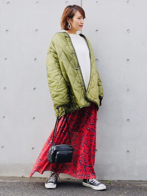 キルティングジャケット×花柄スカート