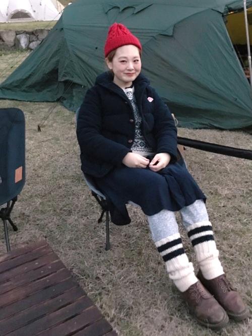 【レディース】赤ニット帽×ワンピースコーデ