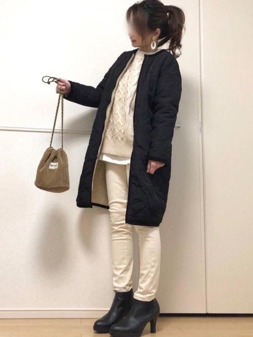 大人カジュアルな白スキニーの冬コーデ