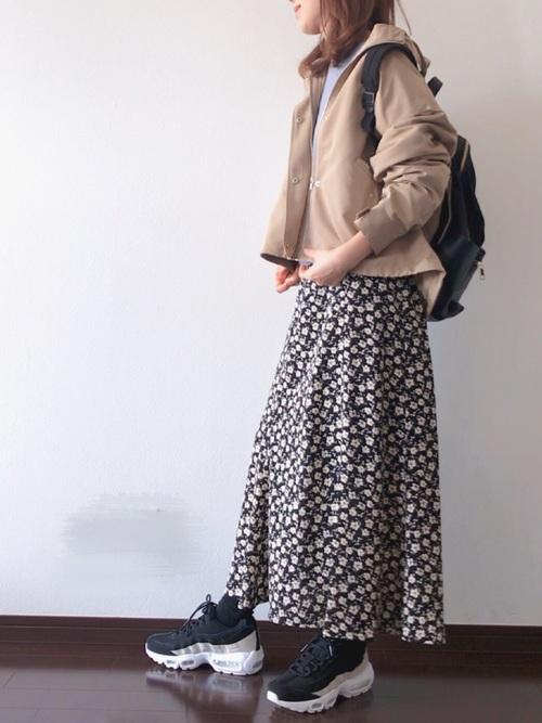 リュック×花柄スカートの冬コーデ