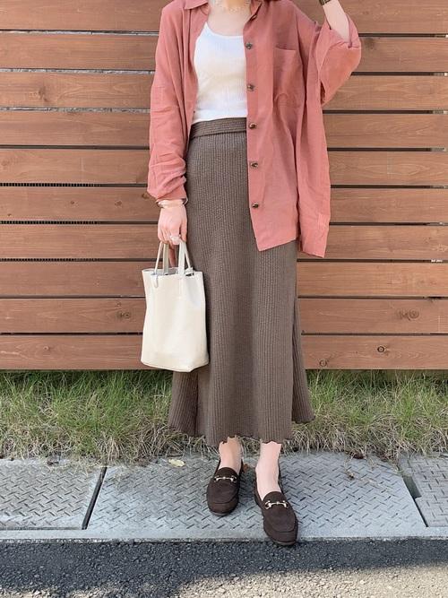 ビッグシャツ×メロウ裾スカート