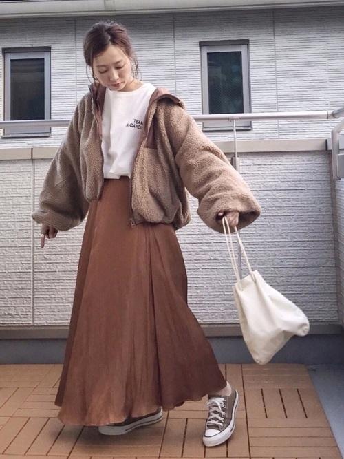 ボアブルゾン×ロングスカート