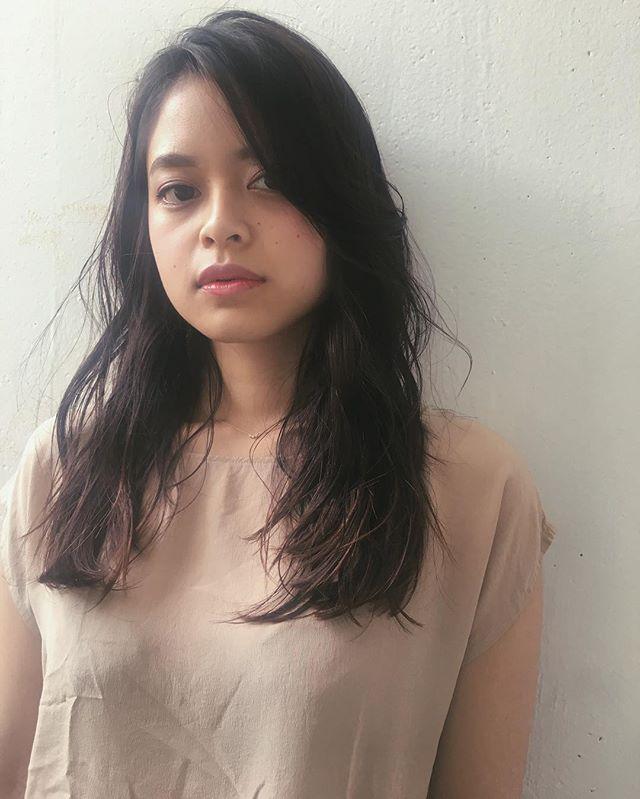 スーツ 大人女性 髪型 ロング2