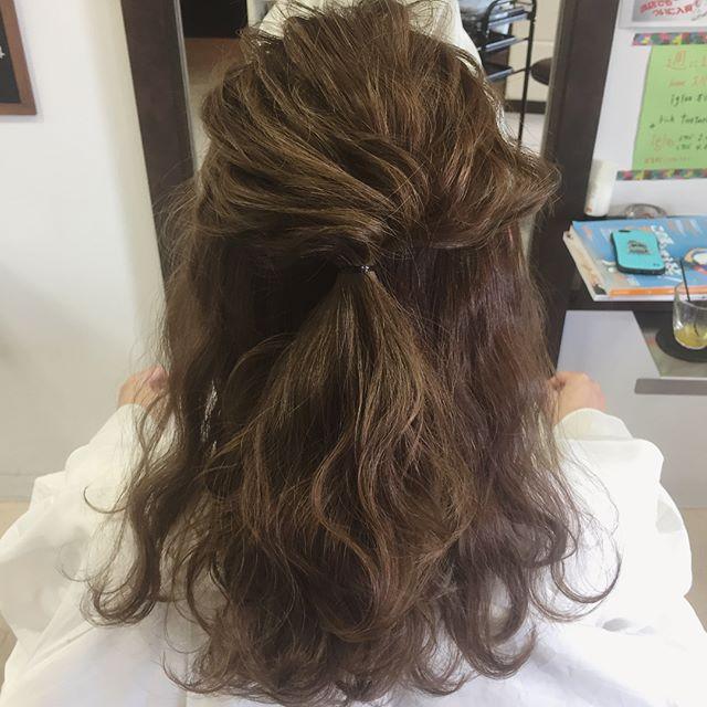 40代女性 髪型 ロングヘア5