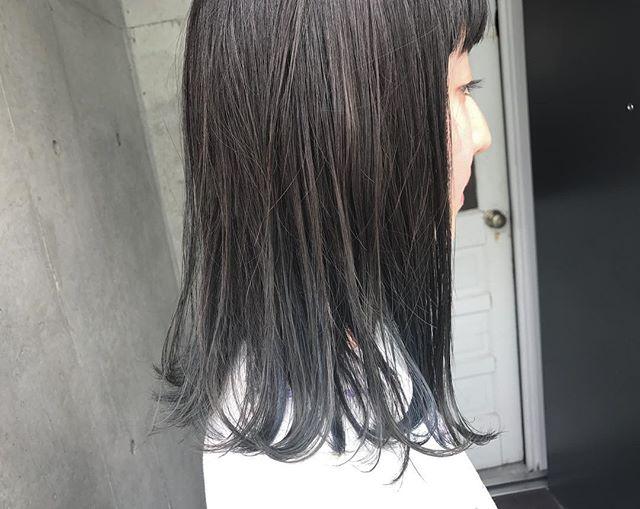 黒髪 ミディアム ストレート 巻き方2