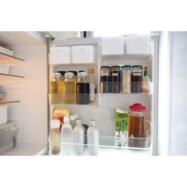 セリアの容器を使って冷蔵庫の粉類を整理