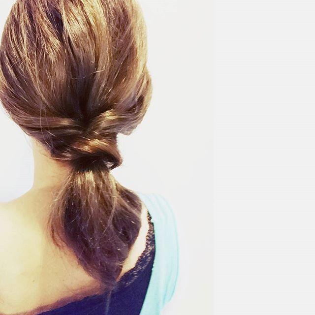 スーツ 大人女性 髪型 ミディアム5
