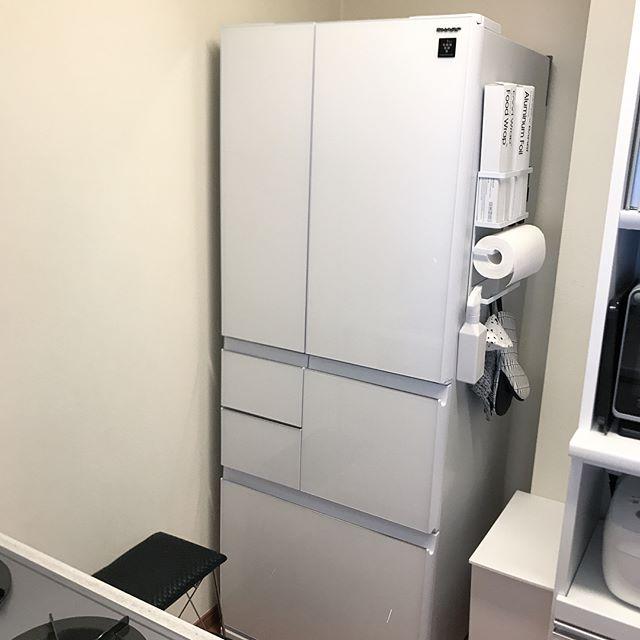 冷蔵庫横を収納にする2